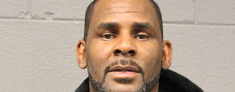 R. Kelly Turns Self In To Police Following Sex Abuse Charges
