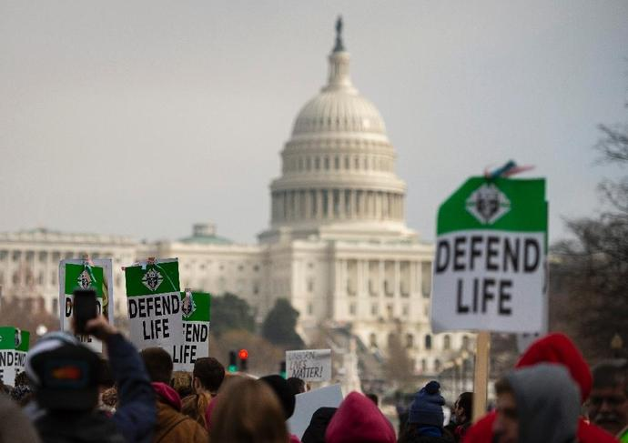 The incident occurred on the steps of the Lincoln Memorial on Friday when the annual anti-abortion March for Life coincided with a rally by indigenous communities calling for their rights to be respected