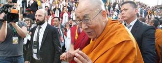 U.S. ambassador urges China to talk to the Dalai Lama