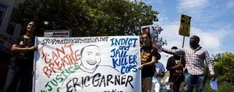 Prosecutors urge charging New York policeman in 2014 choke hold death: NY Times