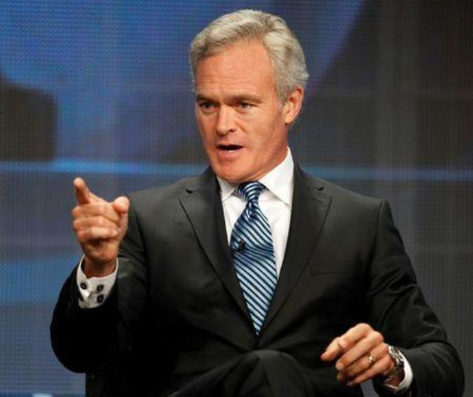 FILE PHOTO: Scott Pelley speaks at the CBS Television Network