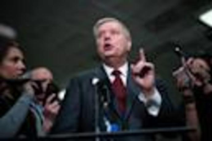 Lindsey Graham is offering unsolicited legal advice to Trump\
