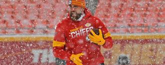 Snow problem for Kelce as Chiefs tight end sets NFL record