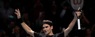 Federer outclasses Djokovic to reach semi-finals