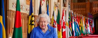 Queen warns we must keep in touch with family to
