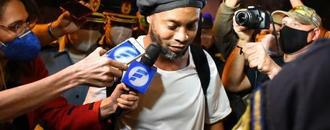 Ronaldinho granted house arrest in Paraguay amid fake passport flap
