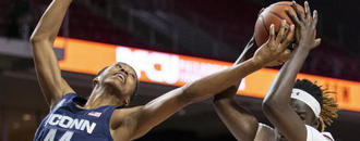 Nelson-Ododa helps No. 4 UConn rout Temple 83-54
