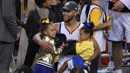 Steph Curry Honors Kids With New Leg Tattoo Posts Photo On Instagram