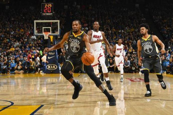 NBA says key call was missed late in Heat-Warriors game