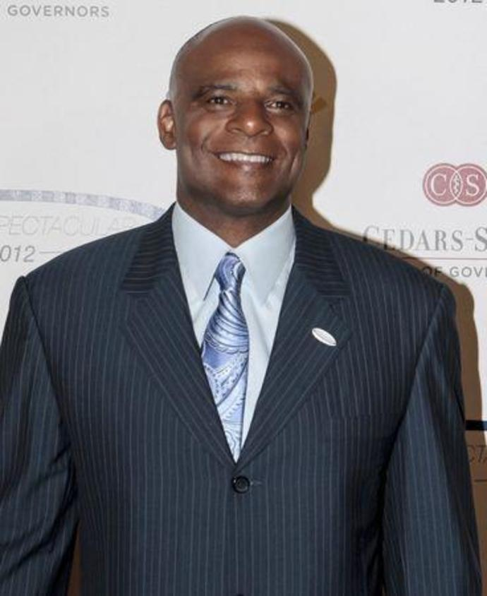 Former NFL player Moon arrives at the 27th Anniversary Sports Spectacular benefiting Cedars-Sinai Medical Genetics Institute at the Hyatt Regency Century Plaza in Los Angeles