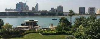In Bahrain resort, yarmulkes and Mideast ambitions welcome