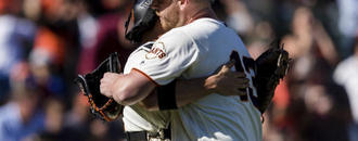 Yaz scores go-ahead run on wild pitch, Giants beat Marlins