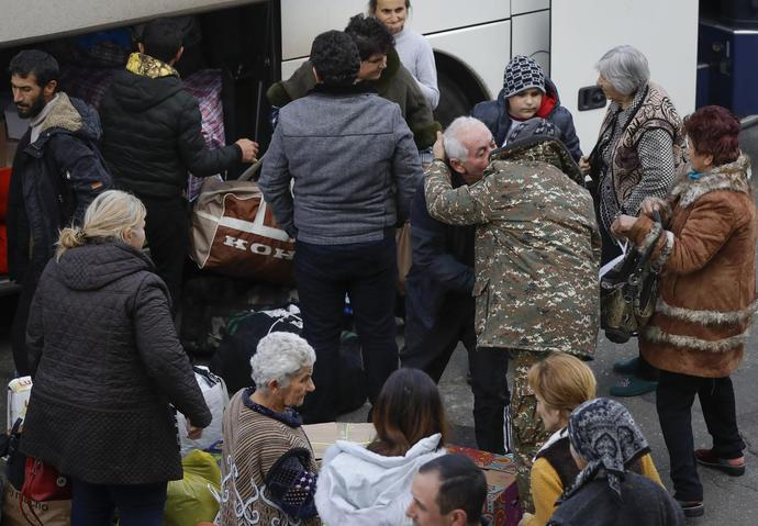 Armenians return to Nagorno-Karabakh after cease-fire