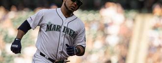Yankees acquire Edwin Encarnación from Mariners