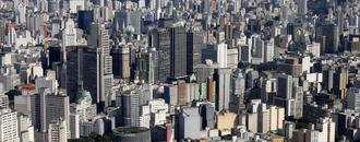 Raging pandemic shuts down Sao Paulo as Brazil nears Pfizer deal