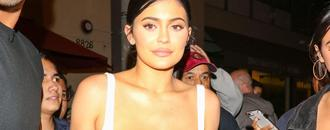 Kylie Jenner Wears a Bra Out, Looks Fabulous