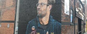Jurgen Klopp mural revealed in Liverpool street