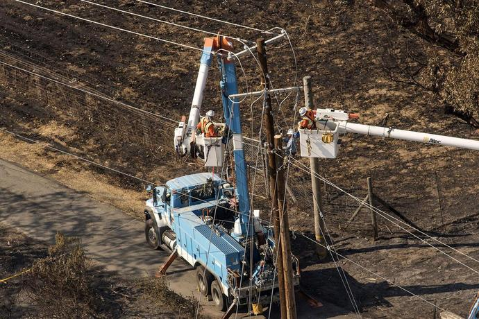 Lone PG&E Bull Refuses to Ditch 'Buy' Rating Even After 80