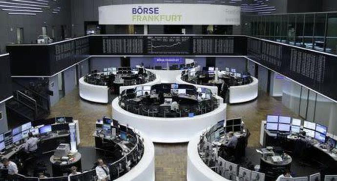 Strong earnings boost European shares, but France lags
