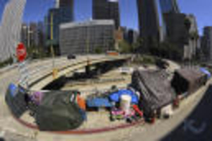 Judge orders Los Angeles to move thousands of homeless