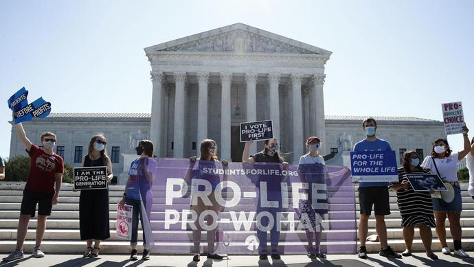 Supreme Court, in 5-4 ruling, strikes down restrictive Louisiana abortion law