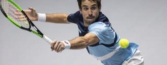 Argentina beats Chile to open Davis Cup Finals