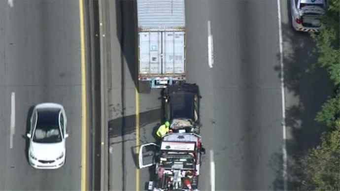Accident shuts down all lanes on I-76 WB in Conshohocken