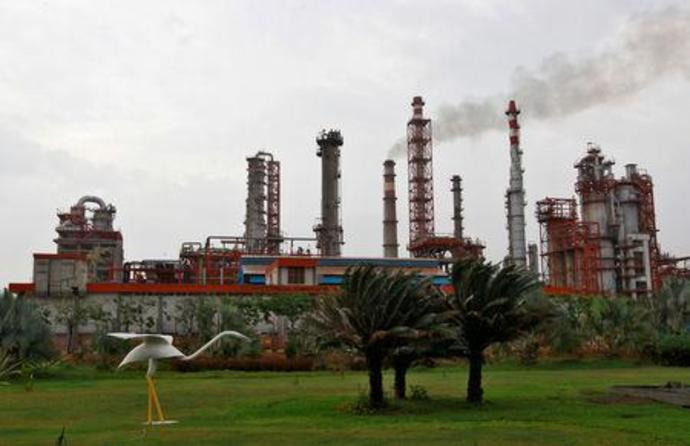FILE PHOTO: An oil refinery of Essar Oil, which runs India