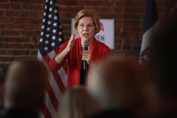 Democratic Presidential Candidate Elizabeth Warren (D-MA) Holds Campaigning Organizing Event In Dubuque, Iowa