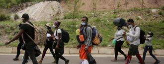 African, Caribbean migrants continue trek towards U.S. border