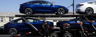 Tesla Has Enough Orders to Set Delivery Record, Musk Writes