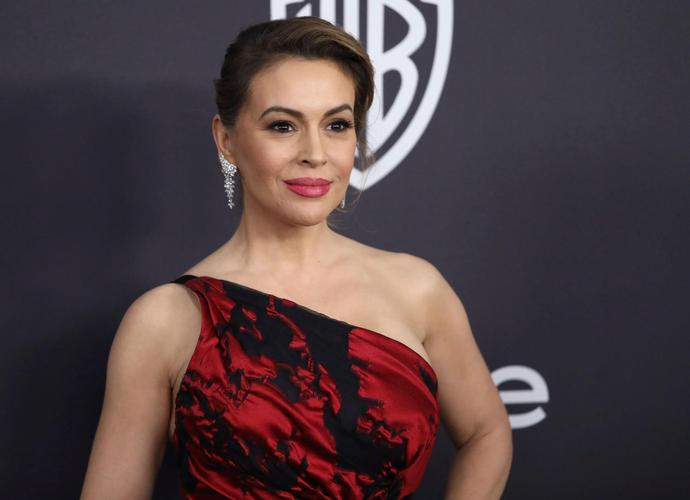 Alyssa Milano blasted for 'MAGA hat is the new white hood' tweet