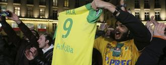 Nantes pays tribute to the late Sala with special jersey