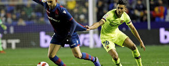 Barcelona avoids scare over ineligible player, stays in Copa