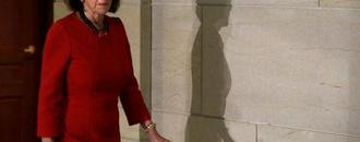 Democrat Pelosi agrees to term limits if elected House speaker