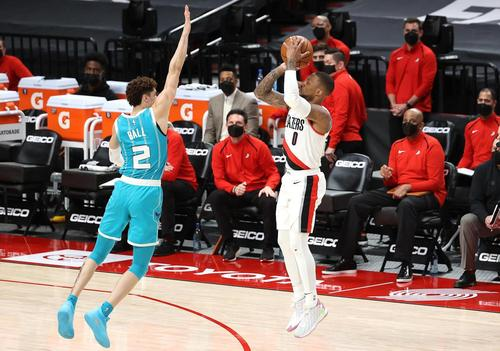 Hornets Reactions: Charlotte runs out of gas as Blazers bomb away for victory thumbnail